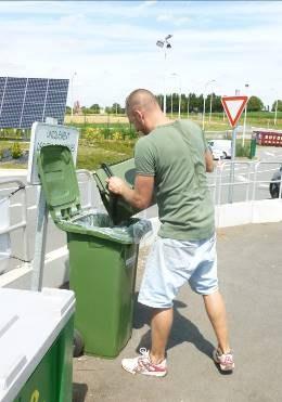La collecte des organiques permet aux citoyens d'alléger sensiblement le volume de leurs sacs-poubelle.